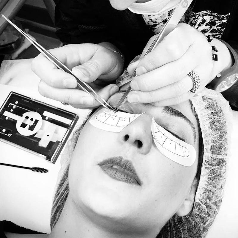 Corso Lashes Extension One to One - Yourskin Academy